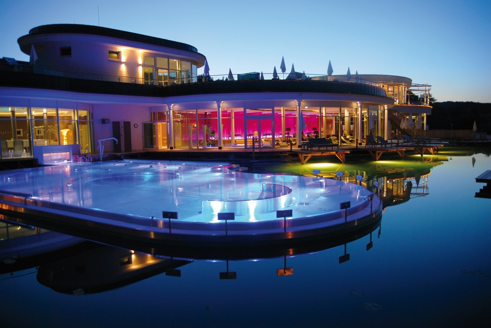 AVITA Nachtaufnahme ©AVITA Resort web - AVITA PREMIUM Spa