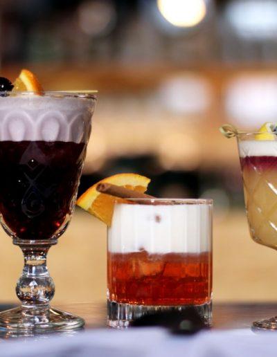 ApBc89iQ web 400x516 - Ausgefallene Cocktails im OMU