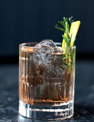 ENpiVcik web 400x516 - Ausgefallene Cocktails im OMU