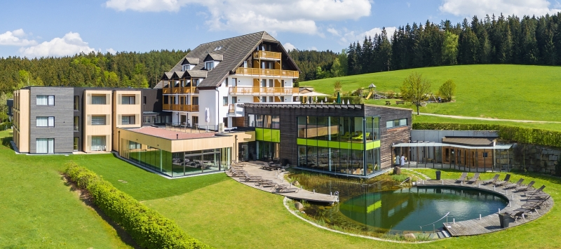 Foto Hotel Schwarzalm web - Hotel Schwarz Alm Zwettl