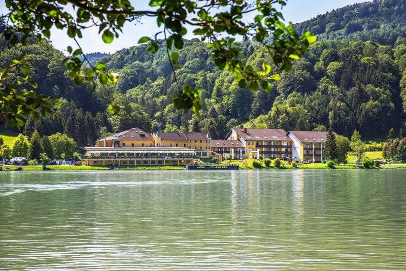 Hotel Wasseransicht web - Riverresort Donauschlinge