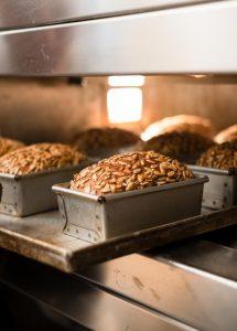 Joseph Brot glutenfreies Bio Sauert 2 215x300 - Unser täglich glutenfreies Brot
