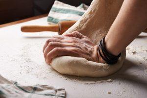 Photo by Nadya Spetnitskaya on Unsplash web 300x200 - Unser täglich glutenfreies Brot