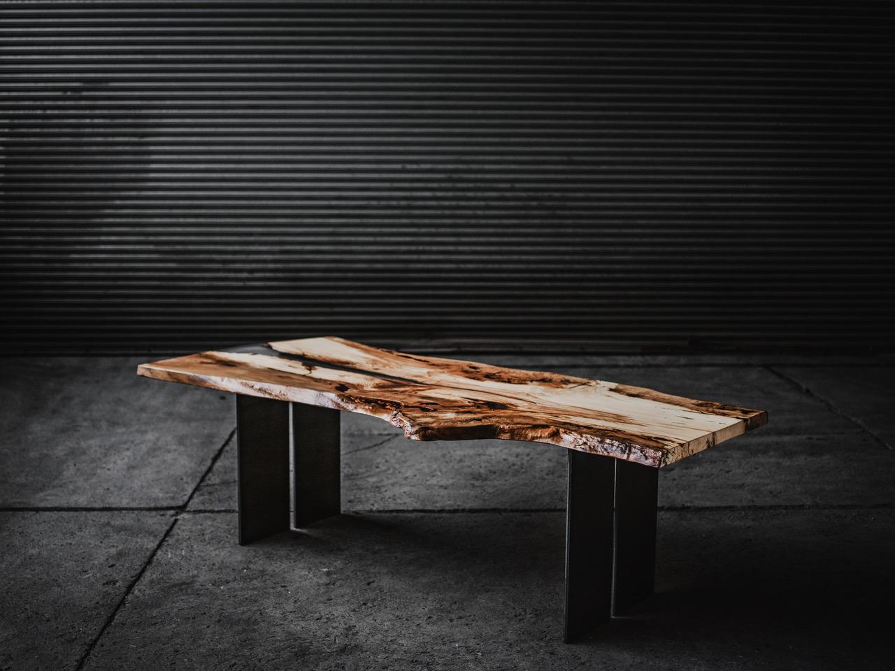 """Tisch 02 - Dreikant Möbel – zu einhundert Prozent """"Made in Austria"""""""