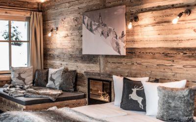 entspannen bei romantischem kaminfeuer im kuschel chalet c ratko photography benglerwald berg chaletdorf 400x250 - News
