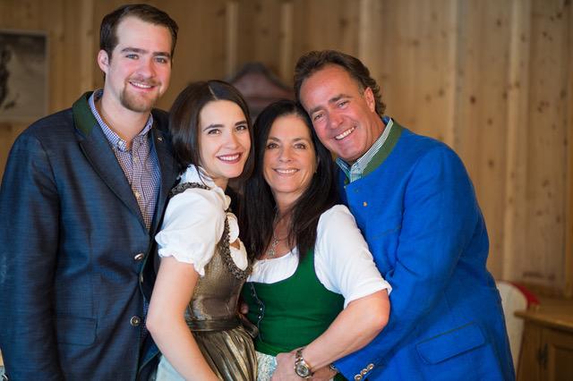 Jagdhof Familie Pfurtscheller 02cAndreSchoenherr - Sprung ins Glück – im Stubaital