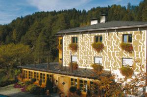 Restaurant Schöneck im Pustertal ©IDM Südtirol Alex Filz 300x199 - Sterneregen für Südtirols Gastronomie