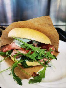 koestliches roastbeef sandwich axamer lizum 225x300 - Axamer Lizum: Top-Bedingungen