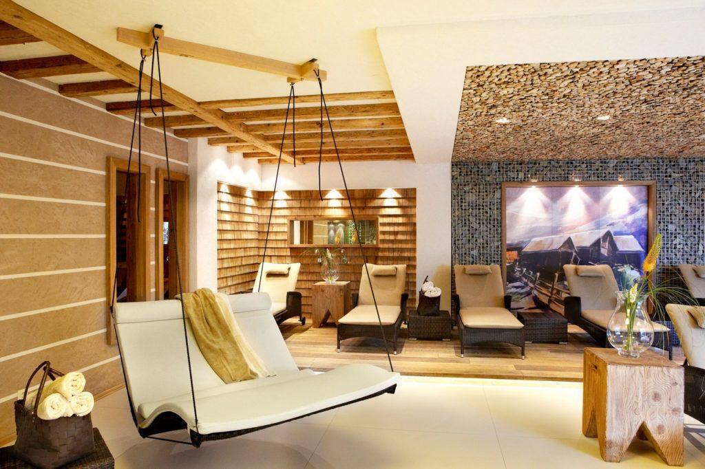 saunaliegen im hotel hotel bergblick 0 1024x682 - Idylle! Neues alpines Hideaway im Tannheimer Tal
