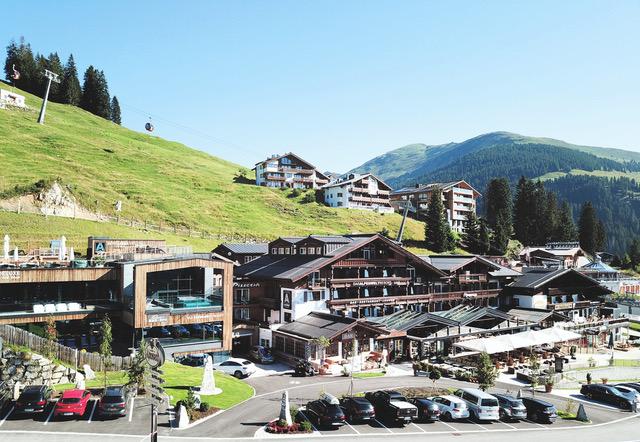 aussenansicht im sommer das alpenwelt resort - Königsleiten: Bergliebe auf den ersten Blick