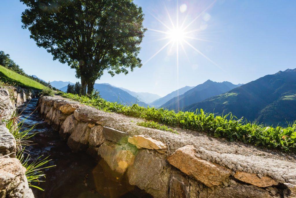 3941 Schenna Waalweg 1024x683 - Schenna: Wassergenuss an Südtirols Sonnenplatz