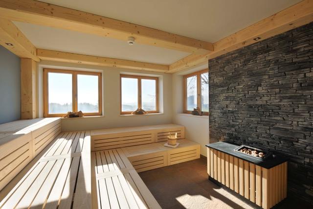 geraeumige finnische sauna wellnessnaturresort gut edermann - Mit der ältesten Seilbahn der Welt auf die bayerischen Berggipfel