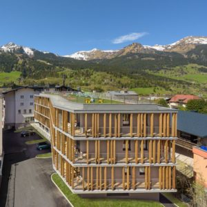weit oben und in hoechster privatsphaere hotel blue gastein 300x300 - Wini Brugger: kreativ im neuen Hotel BLÜ