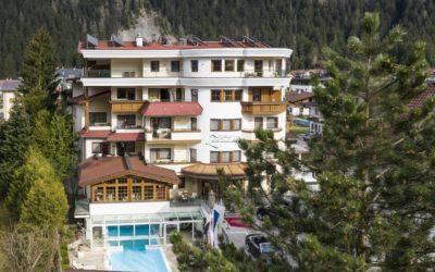 aussenansicht von vorne zillertalerhof alpine hideaway 400x250 - Startseite
