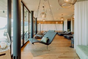 entspannen im ruheraum c karin bergmann ratscher landhaus 300x200 - Genusszeit for adults only im Ratscher Landhaus